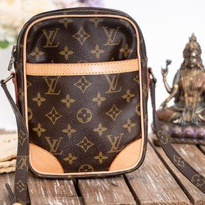 ✅Authentic ✅LOUIS VUITTON Danube Crossbody